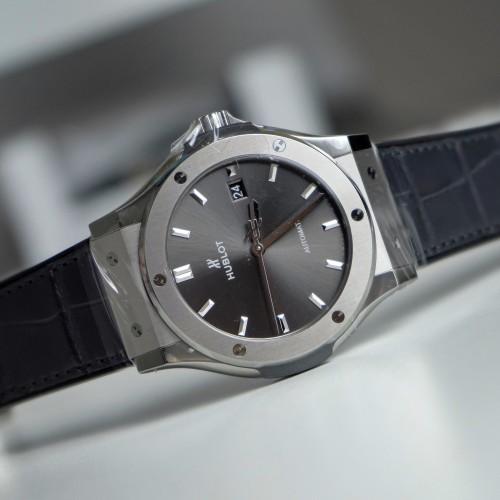 Classic Fusion Titanium 42mm 'Grey Dial'